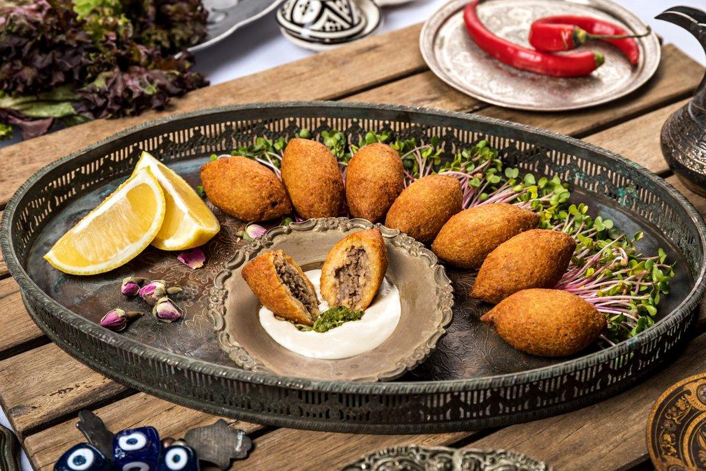 קייטרינג בשרי בירושלים | קובה נבלוסיה במילוי פטריות | חנות לאוכל מוכן | האחוזה קייטרינג